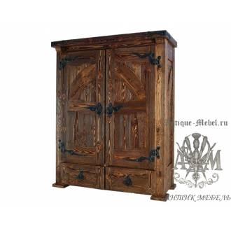 Шкаф платяной из дерева массива сосны под старину