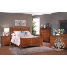 Спальный гарнитур Бонтон из массива дерева