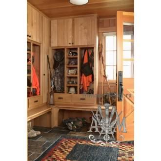 Шкаф в прихожую деревянный из массива