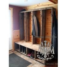 Деревянный шкаф в прихожую из массива