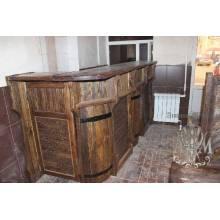 Барная стойка из дерева в старинном стиле