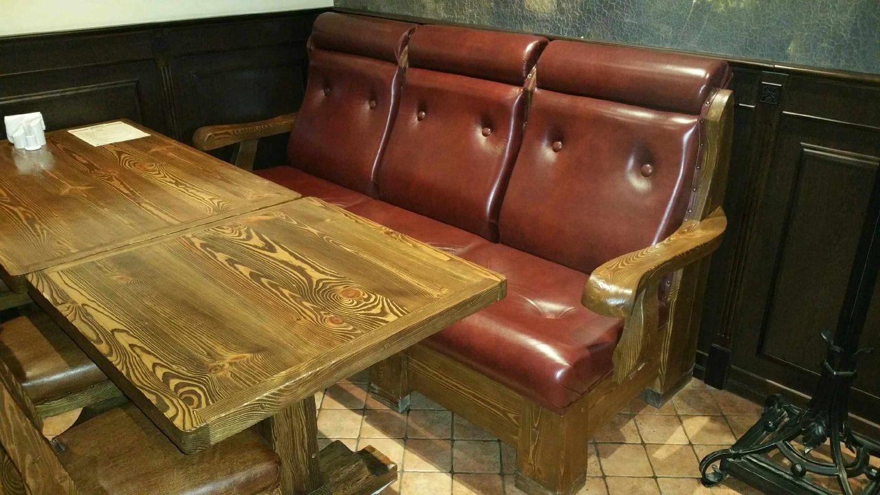 Мягкая мебель под старину на заказ, диваны и кресла из массива